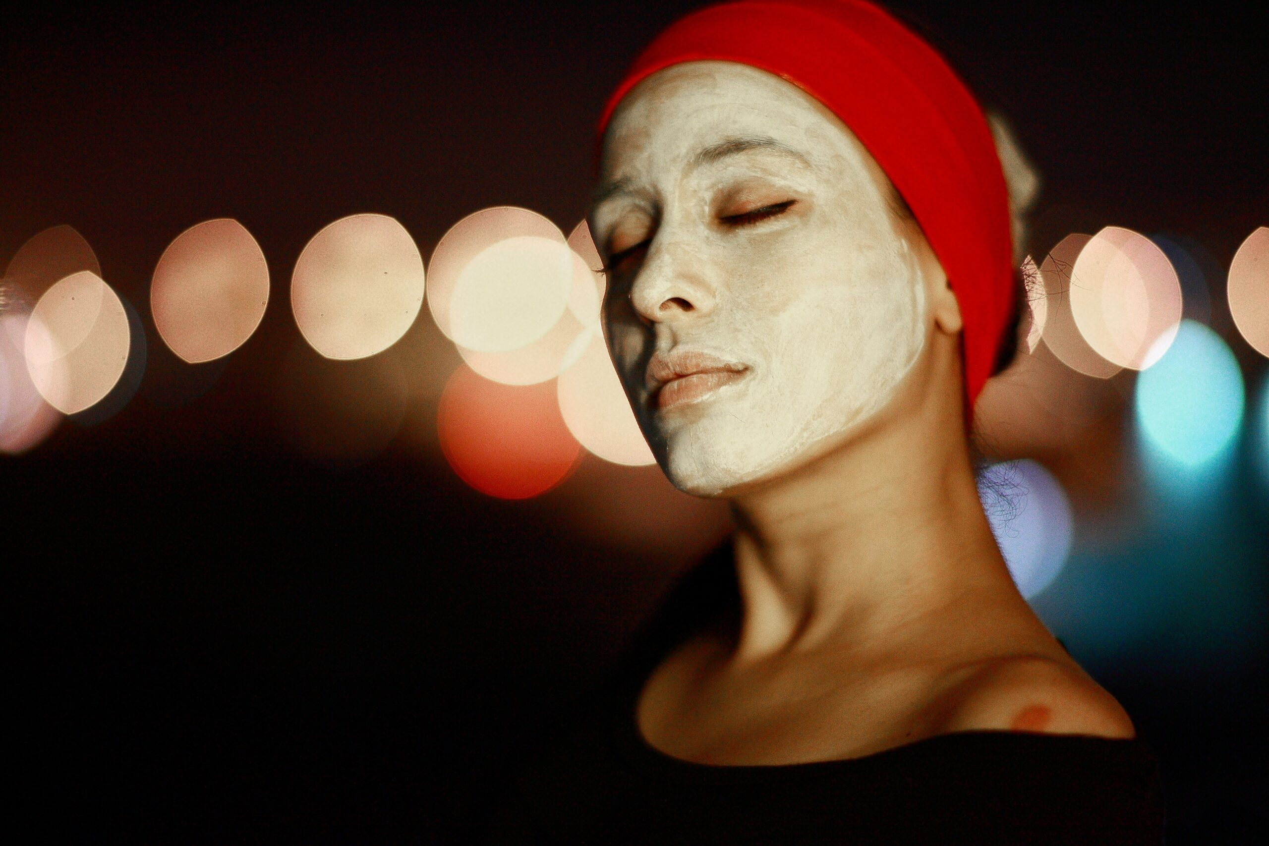 Ønsker du at forkæle din hud? Prøv badeanstaltens fugtgivende læbepomade eller skønne ansigtsmasker