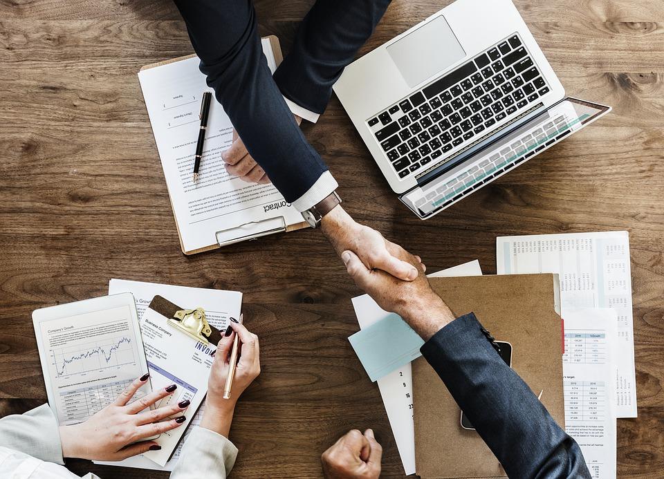Den dygtige erhvervsmand Denis Viet Jacobsen er stifter af Solix investeringsselskab og Denis Viet Jacobsen Fonden