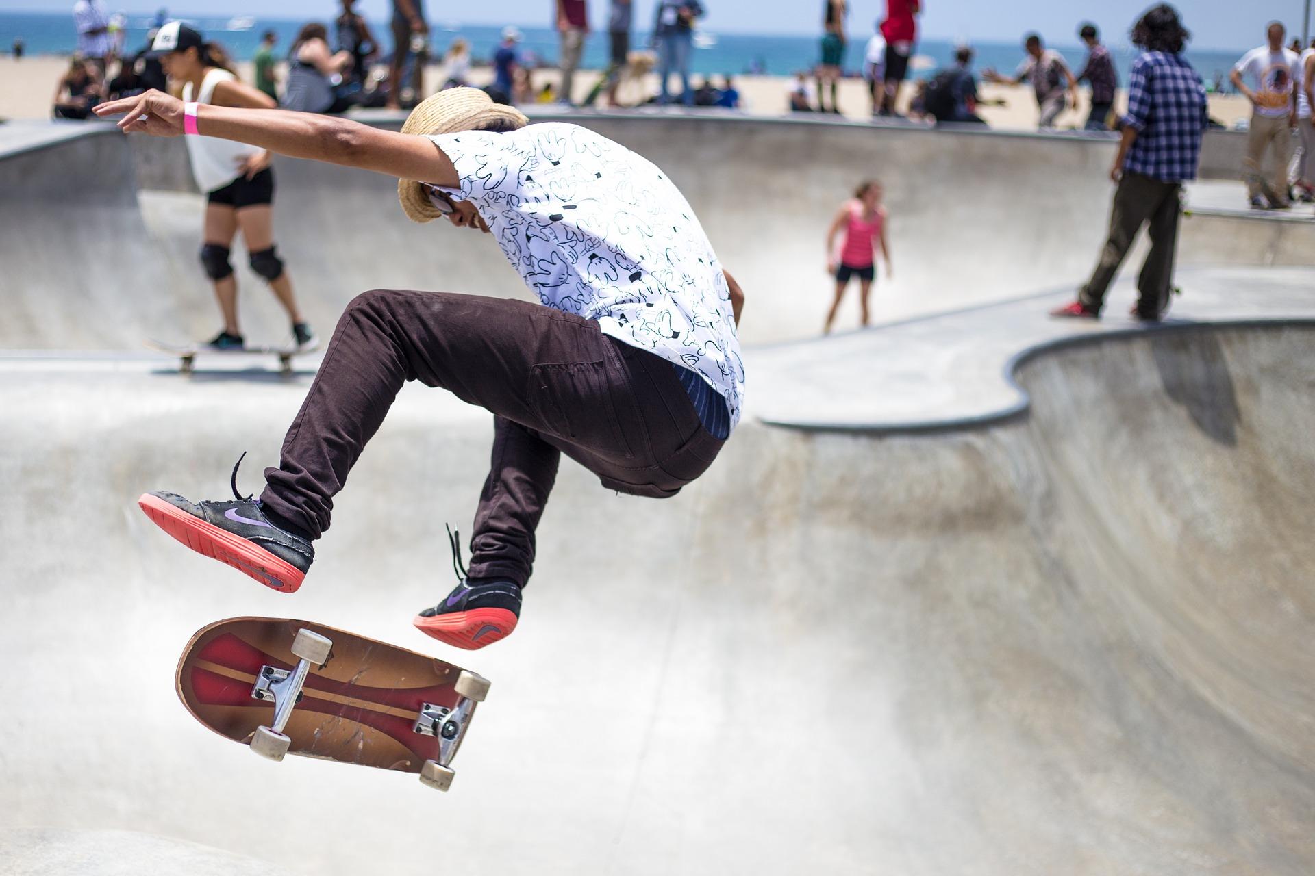Inliners, skateboards, skatertøj etc. fra Dickies, K2 og andre leverandører på bnaboardshop.dk