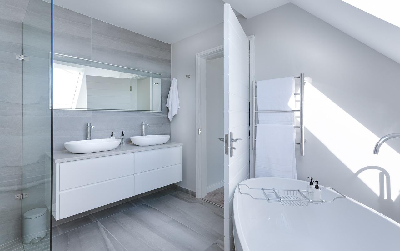 Dørbeslag og badeværelses udstyr – et samlet udvalg på moller-mammen.dk
