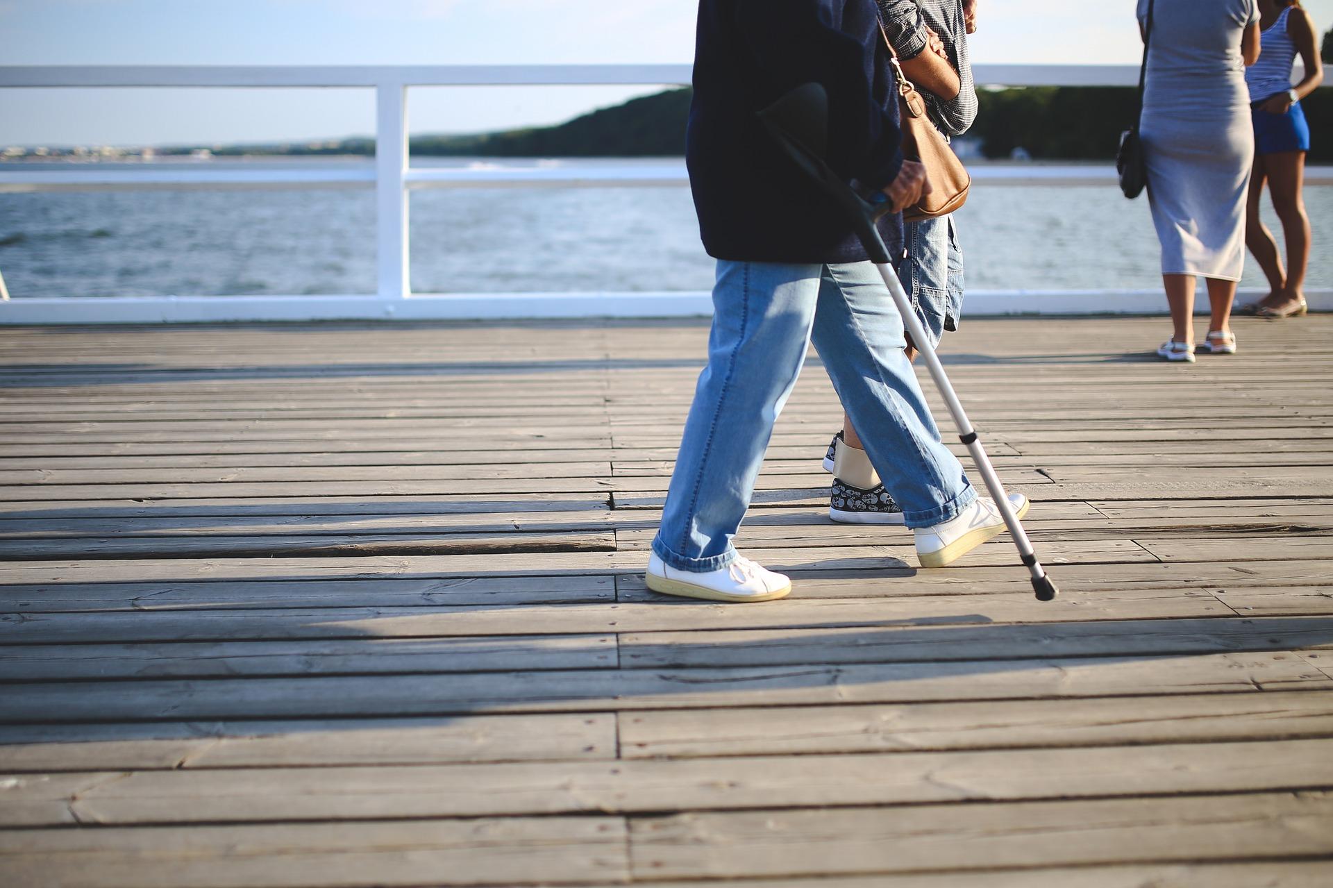 Køb bl.a. Green Comfort støvler og krykker billigt hos SeniorSalg.dk